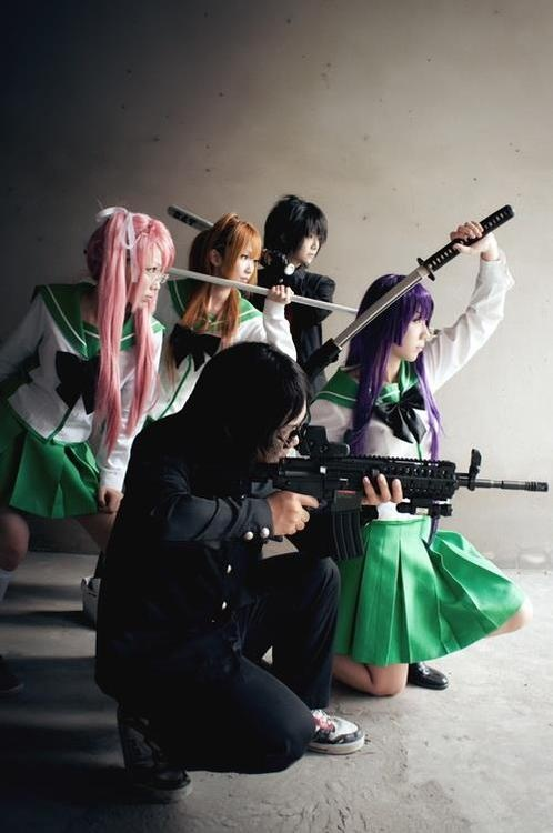 6 Highschool of Dead Cosplays Remind You of School Safety