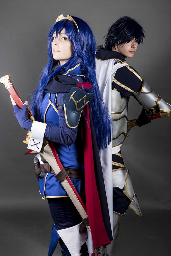 lucina_and_chrom_great_lord_cosplay