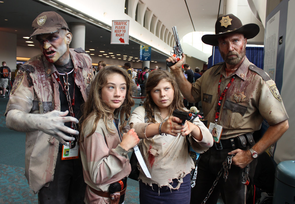15 Costumes Perfect For Halloween Families Cosplays ...