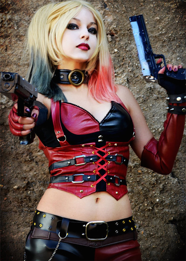 16 Incredibly Hot Superhero Cosplays That'll Get Your Heart Racing
