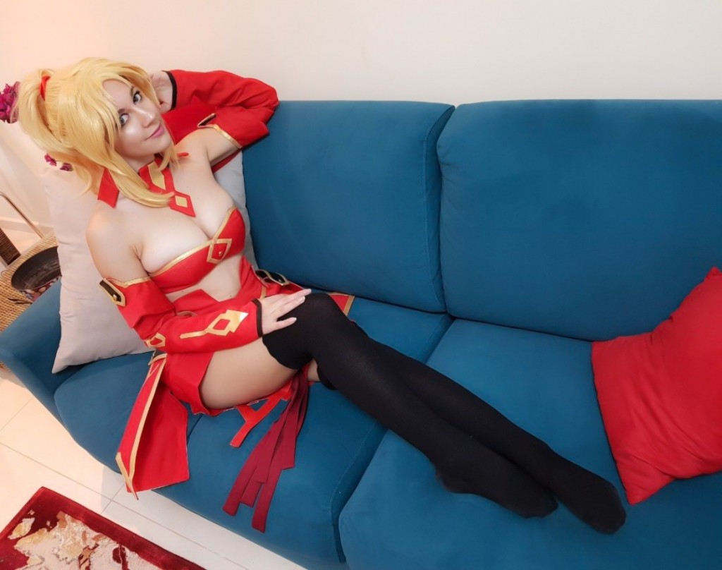 Fate Apocrypha Aka no Saber Costume Review by Virgi1