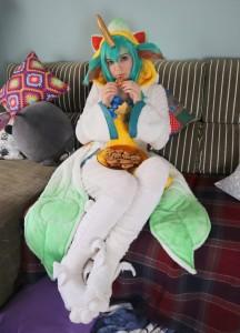 LOL Pajama Guardians Soraka Cosplay Review-17