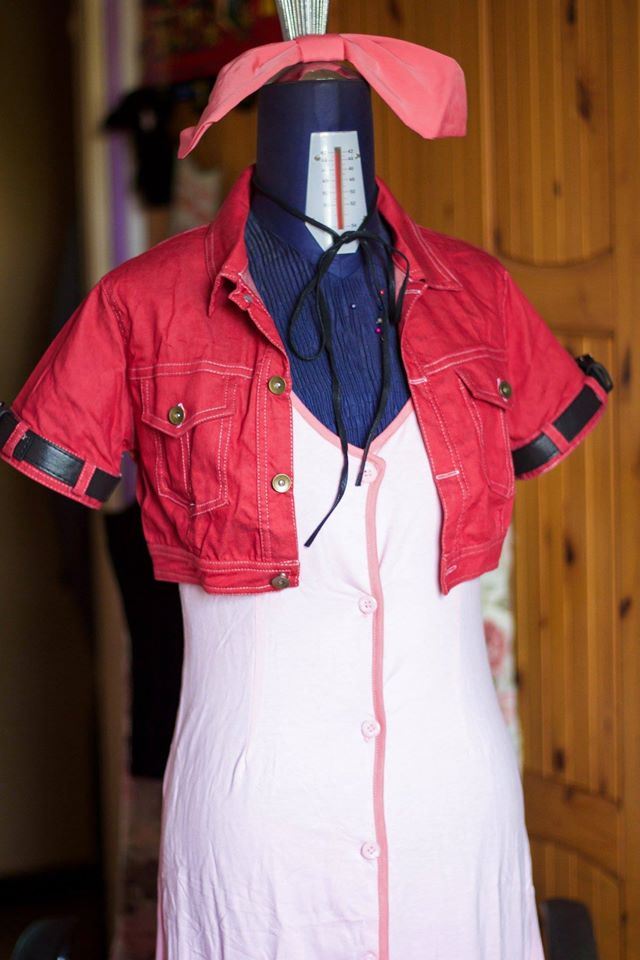 Final Fantasy VII 7 Aerith Cosplay Costume Review-6