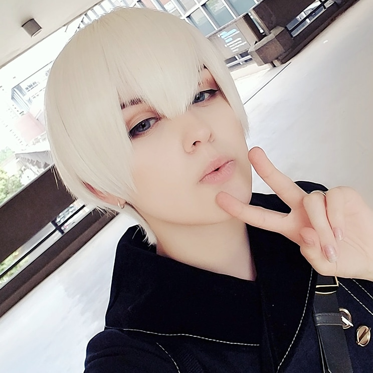 Very nice wig, came fairly fast and is nice quality and color.