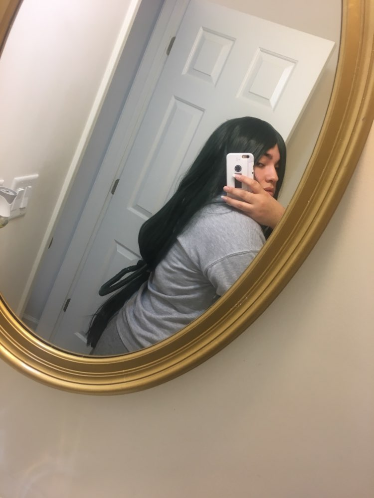 I LOVE THIS WIG!! It's beautiful and silky. The color is also great and very accurate to the pictures. It's very long but very well made. I'm super happy about my purchase.