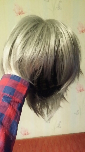 excellent wig remembers and easy to fit. bangs надвое as can separate, full on one side and transfer. satisfied very, thanks to the seller with: