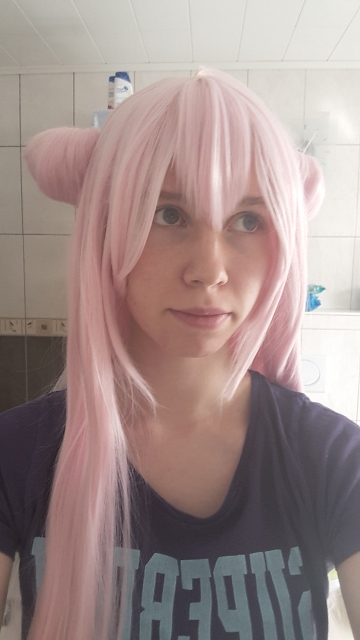 The wig has the perfect color and length. It feels soft and is deliverd without tangles. Sadly the buns aren't fully symmetric but that can happen due to transport, with a little bit of work they look way better. The wig is very thin as a minpoint. I alre