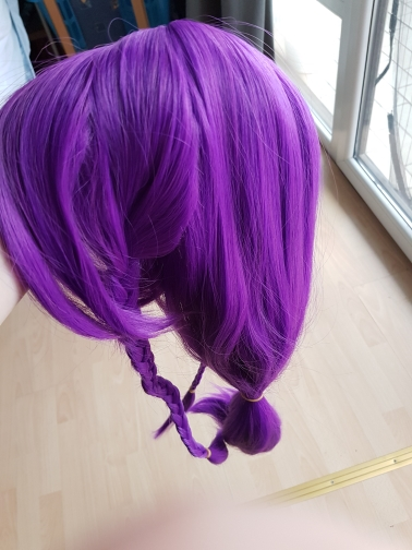The wig is great. The color is awesome. Sadly my buns hadn't hairpins but we got a solition for this problem. Can't wait to wear it.