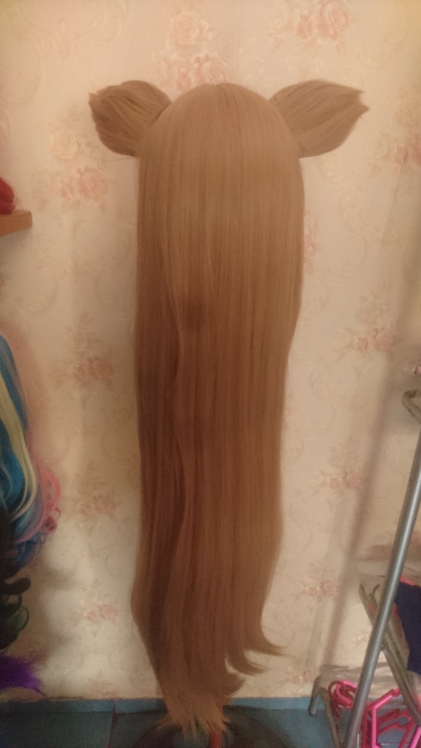 Beautiful wig and the seller is very attentive, responded very patiently. would definitely buy again!